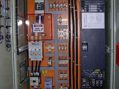 Quadro de comando elétrico trifásico