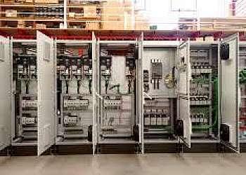 Painel elétrico de bomba montagem