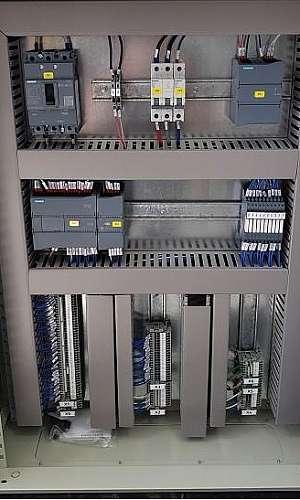Painel de comando elétrico